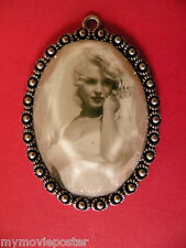 MARILYN MONROE JEWELRY GLASS METAL UNIQUE VINTAGE NECKLACE PENDANT FROM 1970's