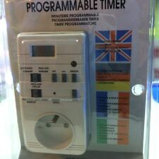 Digital 7-day programmable timer with a europiean connection e.