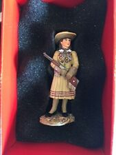KX015 Annie Oakley RETIRED by King and Country