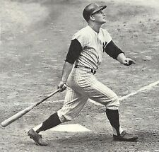 THE GREAT YANKEE ROGER MARIS WATCHES ONE OF HIS HISTORIC HOME RUNS FLY IN STANDS
