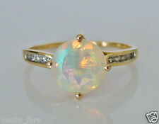 Beautiful 9ct Gold Opal & White Zircon Ring Size U