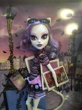 ~CATRINE DeMEW~Daughter of a Werecat~LE Monster High~New in Box~Scaris~HTF