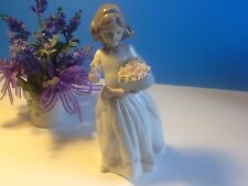 LLADRO FOR A SPECIAL SOMEONE #6915 BRAND NIB GIRL FLOWERS HEART