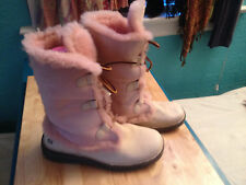 Women's BORN Lace Up Shearling Boot ~ US sz 10   EUr 42 ~ Cream & Light Pink