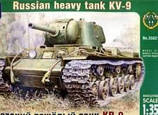 ARK - Russian heavy tank KV-09 Modell-Bausatz 1:35 schwerer Panzer Russicher NEU