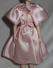 * TOP ~MATTEL SILKSTONE BARBIE DOLL BLUSH BEAUTY PALE PINK SATIN CAPE DRESS COAT