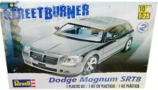 Revell Monogram 2006 Dodge Magnum SRT8 model kit 1/25
