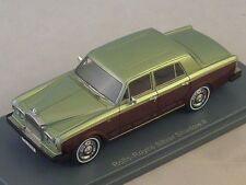 NEO 44180 - Rolls Royce Silver Shadow II vert / bordeaux - 1978  1/43