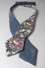 Scottish tweed laine blue herringbone self tie bow tie/liberty doublure imprimé