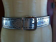 Trendy Moschino large silver leather belt