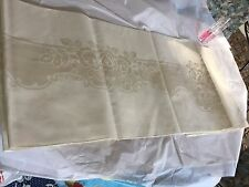 "GORGEOUS VINTAGE BUT NEW WITHOUT TAGS DAMASK LINEN TABLECLOTH W  ROSES 76"" X 56"""