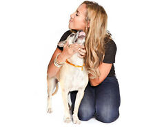Leona Lewis UNSIGNED photo - D1680 - Singer and animal welfare campaigner