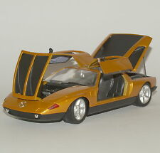 Guiloy Klassiker Mercedes - Benz  C111 Sportwagen in gold lackiert, 1:18, 065