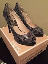 "Michael Kors Leather S 8 Gray Animal Print Snakeskin Platform Pump High 3"" (B,M)"