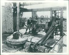 1920 Early Rotary Drilling Rig Original News Service Photo
