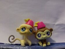 Littlest Pet Shop Blonde Monkey and Brown Ape with Hats #834 835 New Loose