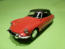 WELLY 42398 CITROEN DS 19 CABRIOLET - RED 1:43 - VERY GOOD CONDITION - PULL BACK