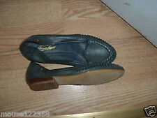 Etinne Aigner Leather shoes 7 .5   M