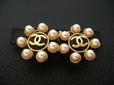 Auth Chanel Vntg BK & Gold CC Round Center w/ SM Pearls Round Clip Earring(95A)