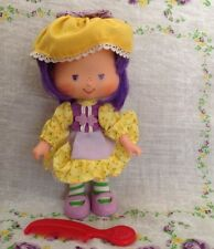 Vintage Strawberry Shortcake Almond Tea Party Pleaser Doll  With Berry Comb