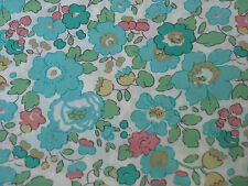 "LIBERTY OF LONDON TANA LAWN FABRIC DESIGN ""Betsy D "" 2.4 METRES (240 CM)"