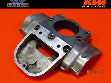 1998 KTM 380 300 250 EXC Engine Cylinder Power valve Cover Flange Front Housing