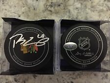 SIGNED OFFICIAL NHL GAME PUCK CHICAGO BLACKHAWKS PATRICK SHARP