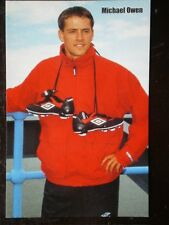 POSTCARD B45 SPORT MICHAEL OWEN - BOOTS AROUND HIS NECK