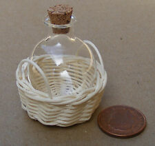 1:12 Glass Bottle In A Wicker Basket Dolls House Miniature Jar Accessory G25ZM
