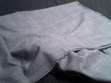 belle piece de tissu - damier carreaux - fond gris - coton 148x162cm