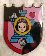 Dinsey Pin SNOW WHITE Castle Shield Limited Edition of 1500 50Th Anniversary