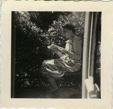 PHOTO ANCIENNE - VINTAGE SNAPSHOT - FEMME LIVRE LECTURE PROFIL - WOMAN READING