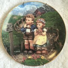 "MJ Hummel Collector Plate ""COUNTRY CROSSROADS"" Little Companions"