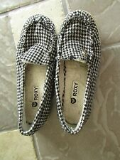 ROXY BLACK/WHITE FLATS LOAFERS SHOES WOMENS 9 SLIP ONS FREE SHIP
