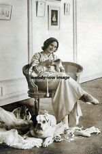 rp10539 - Russian Prima Ballerina , Anna Pavlova with her dog - photograph 6x4