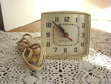 VTG GENERAL ELECTRIC Square Alarm Clock White # 72230 - WORKS GREAT