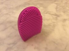 MAKEUP BRUSH CLEANER GLOVE EGG SCRUBBER COSMETIC CLEANING SILICONE