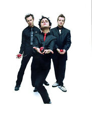 Green Day UNSIGNED photo - H2648 - Billie Joe Armstrong, Mike Dirnt & Tré Cool