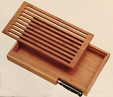 Spitzenklasse Bread Cutting Board and Tray Set With Crumb Catcher