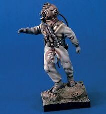 Verlinden 120mm (1/16) Salvage Diver in Standard Diving Dress WWII w/Base 1296