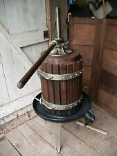 VINTAGE HUGE WOODEN CAST IRON WINE PRESS APPLE FRUIT CIDER GRAPE CRUSHER