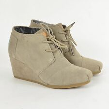 TOMS Women's Desert Wedge Lace-Up Ankle Boots / Brown Taupe Suede 7