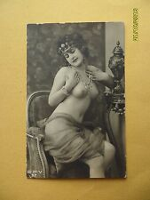 Original french 1910's-1920's nude risque postcard sexy dame porte couronne #52