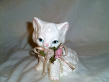 ALBERT PRICE PRODUCTS WHITE W /FLOWERS BLUE EYES CERAMIC CAT