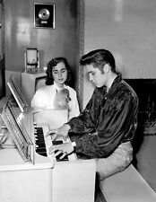 ELVIS PRESLEY UNSIGNED PHOTO - 1079 - BRIDGE OVER TROUBLED WATER & MY WAY