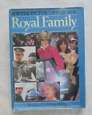 A Week in the Life of the Royal Family-1983-Illustrated-w/dj