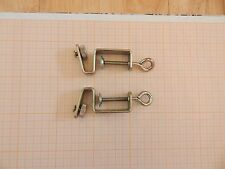 Table clamps for a knitting machine with a ribber Knitmaster?