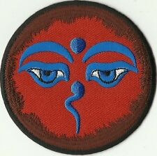 MAGNIFIQUE ECUSSON PATCHE THERMOCOLLANT PATCH YEUX BOUDDHA ROUGE DIAM 7,8 CMS