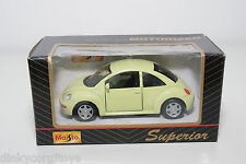 MAISTO SUPERIOR VW VOLKSWAGEN NEW BEETLE KAFER LIGHT YELLOW MINT BOXED