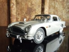 Danbury Mint 1964 Aston Martin DB5 007 James Bond 1:24 Scale Diecast Movie Car